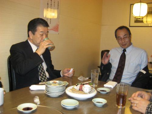 木村勝男さんと、川邊一正さんと、松葉博雄の3組が保護者同伴でした