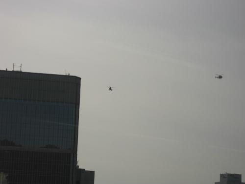 消防艇や消防ヘリも参加していました