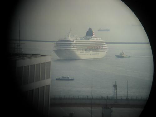 豪華客船「飛鳥Ⅱ」が神戸港に入港