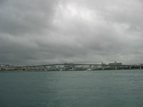 船は元の泊港に戻りました