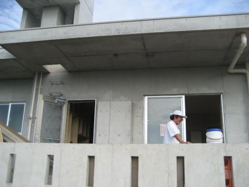 冨着勝弘さんが、新築中のお家を工事を請け負ってます
