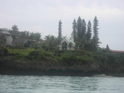 恩納村の沖へ