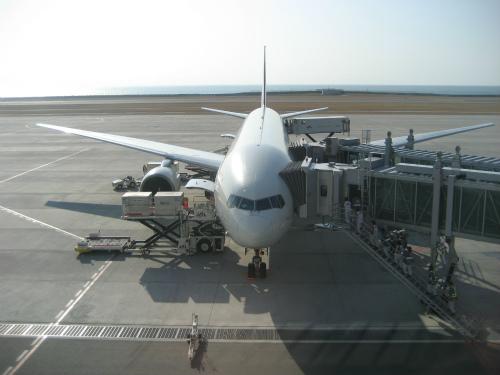 神戸空港から沖縄那覇空港へ