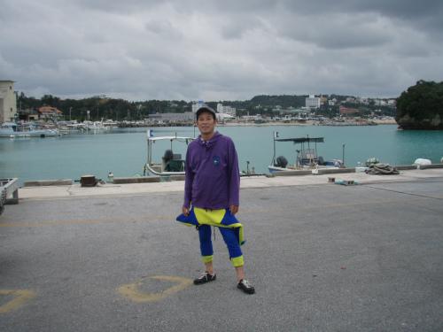 ウエットスーツを着た松葉博雄