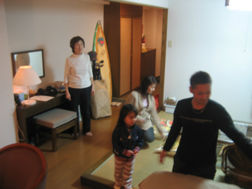 松葉博雄の部屋に金城家の皆さんが来られました