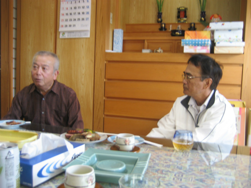 山城利雄さんのお家では、ご馳走をいただきました