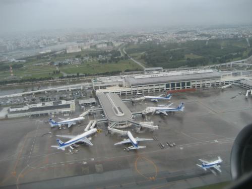 那覇空港を後にして、神戸に戻ります