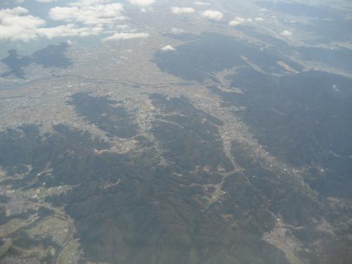 四国の山々と鳴門海峡が見えると、もうすぐ神戸です