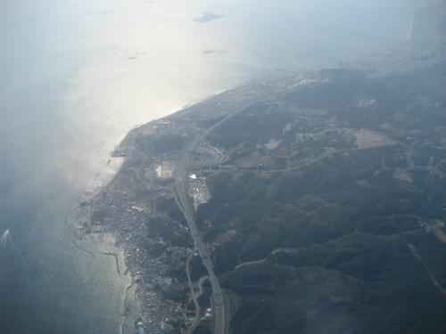 淡路島の岩屋のパーキングが見えます