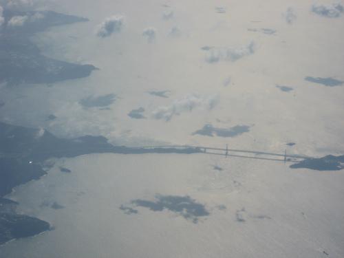 鳴門市に掛かる鳴門海峡をまたぐ、大鳴門橋が、はっきりと見えました