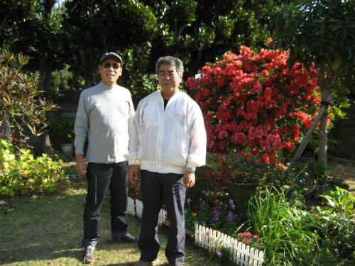 庭先で、松田光正さんと記念写真
