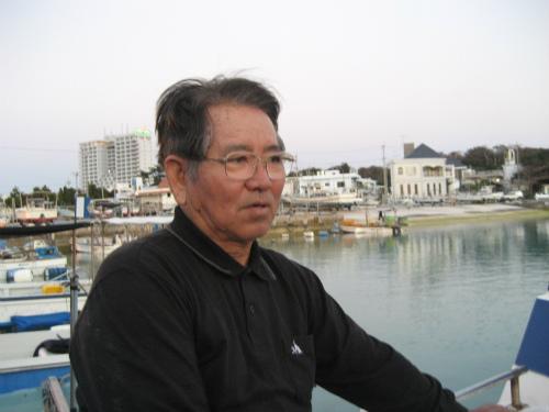 朝日会では、冨着信和さんが釣り上げた大物クエの話で持ち切りです