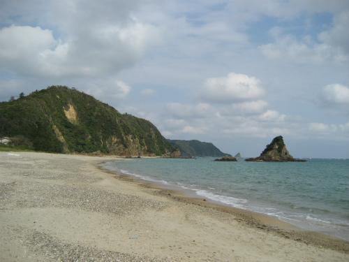 周りの海と山の景色を堪能しながら、ゆっくりと進みます