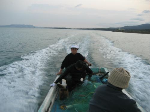 船長の冨着勝弘さんの判断で、港に戻ります