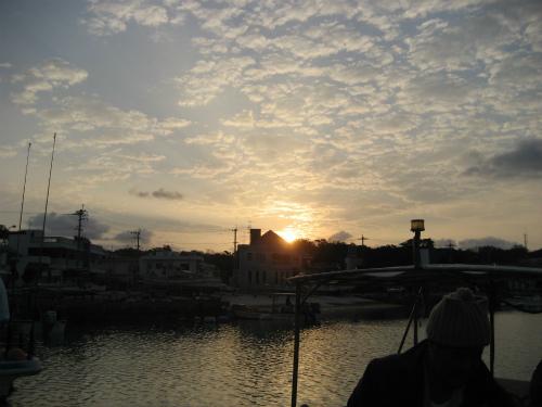 前兼久漁港の日の出