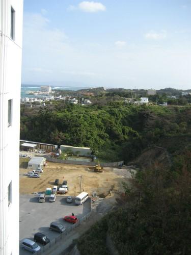建設中の「フチャクリゾート沖縄」が見えました