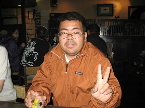 恩納村議会議長の山城良一さんの息子さんの山城一志さんも合流です