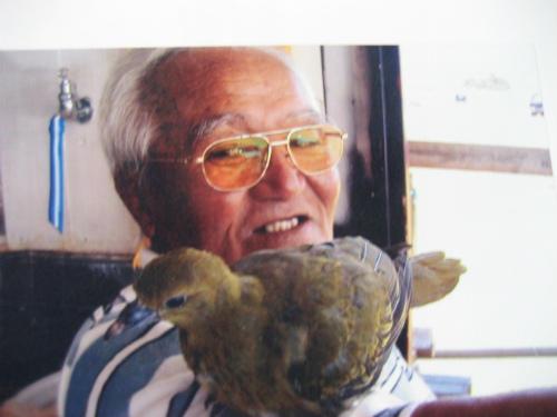 玉城精光さんが、松葉博雄が撮った昔の写真を持っていました