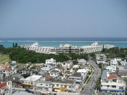 沖縄前兼久ムーンビーチ