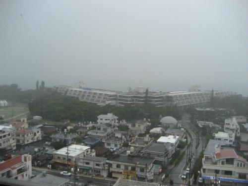 台風のような大雨です