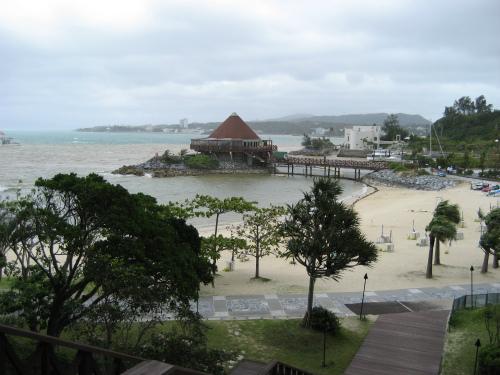 ルネッサンスホテルから見る今日の海