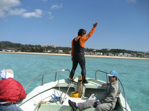 石川みつるさんが、船を前進する役目をしています