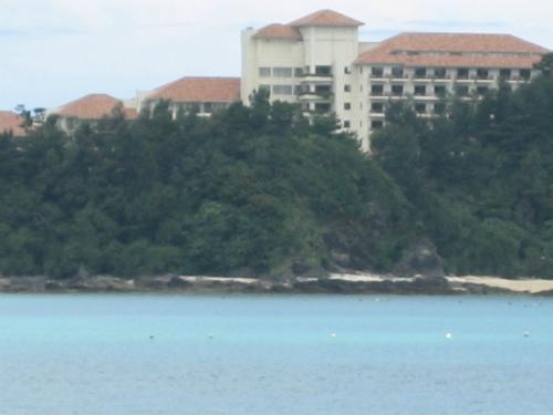 ザ・ブセナテラスホテルが向かいに見えます