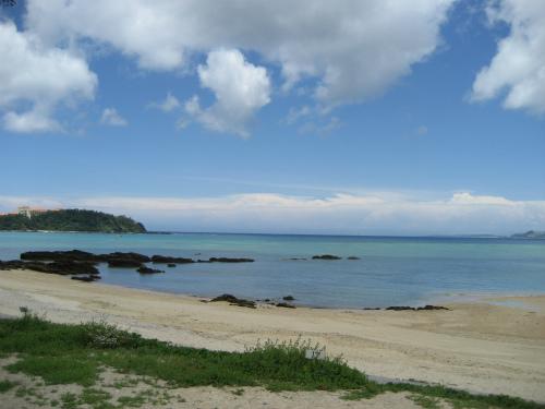 遠浅の綺麗な海辺でした