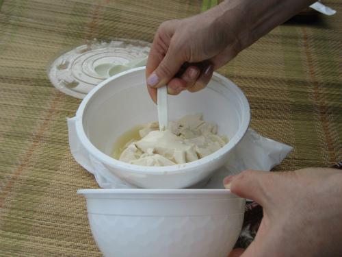 豆腐が固まる前の、柔らかい状態のゆし豆腐です