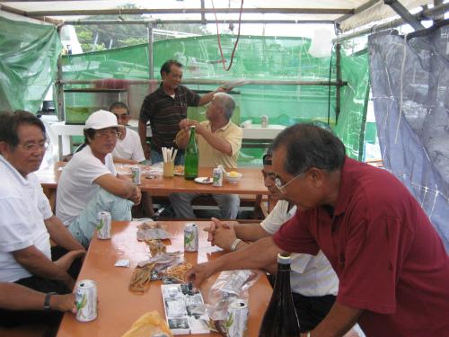 「ポーポー」とは、小麦粉と黒糖を使った、昔の沖縄のお菓子です