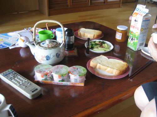 金城正則さんのお家で、朝ご飯を頂きました