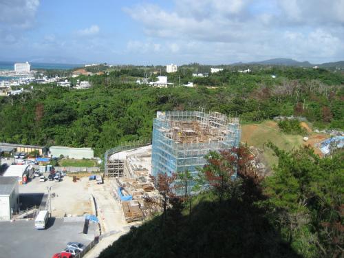 前兼久のマンション建設