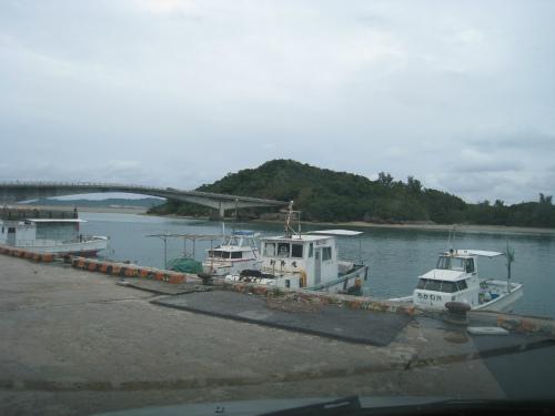 津堅島に渡る船着場