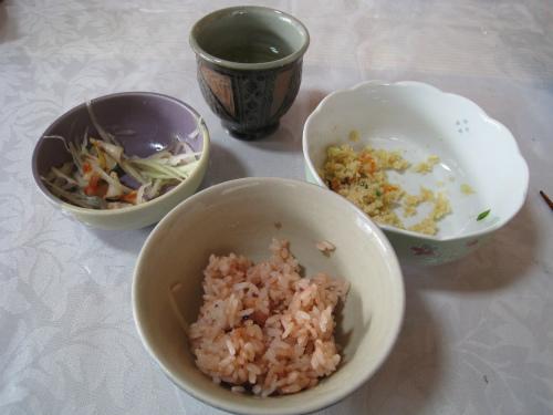 上間光元さん宅で朝ご飯