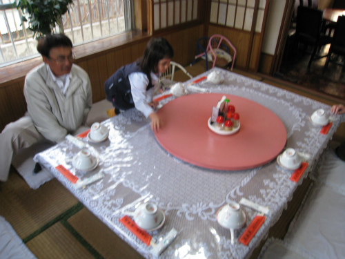 金城家の皆さんと「龍鳳聚」で食事