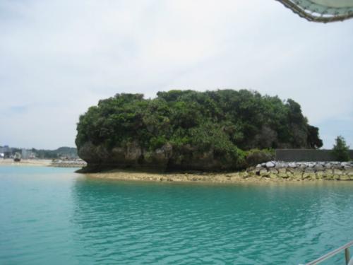 恩納村からムーンビーチ沖へ