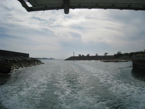 恩納村の海でシュノーケリング