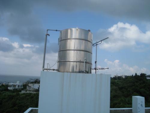 屋上のタンク