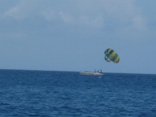 ムーンビーチ沖で釣
