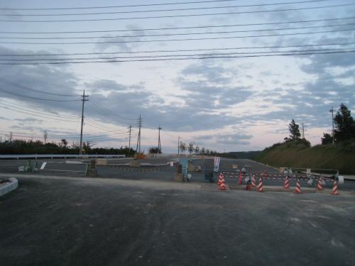 国道58号線の新しいバイパス道路
