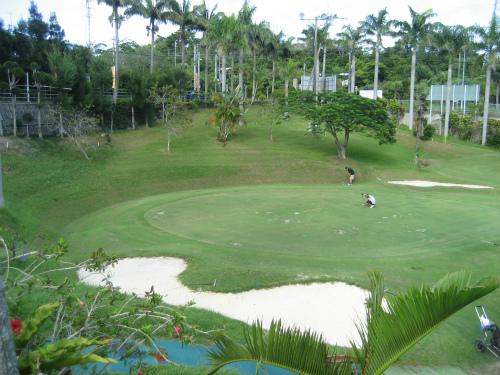 アロハゴルフ場でゴルフ