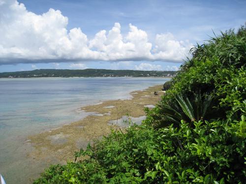 沖縄の古いお墓