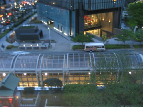 教室から見える大阪の4月の夕焼けです