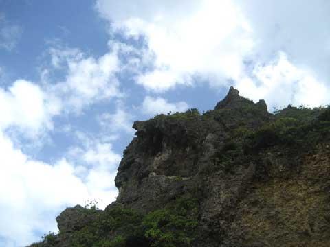 松葉博雄のいい写真撮りたいな:「浜比嘉島の鋭い巨大な岩礁」