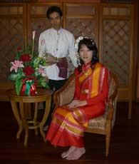タイの民族衣装を着て、写真撮影をしました