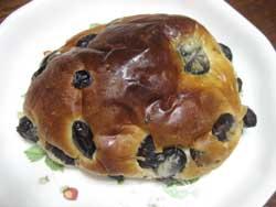 丹波篠山の小西の黒パン