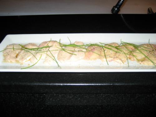 いろいろな魚の肝を長い皿に並べてくれました