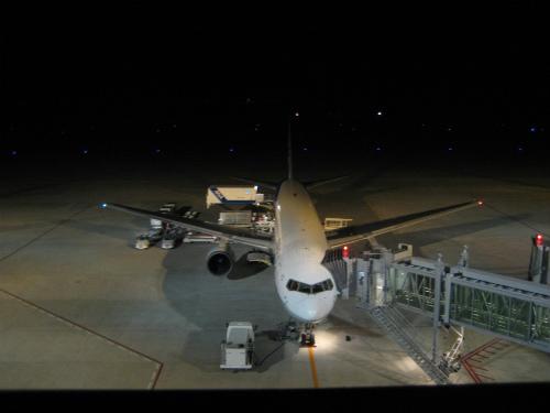 神戸空港の送迎デッキには、あまりたくさんの人はいませんでした