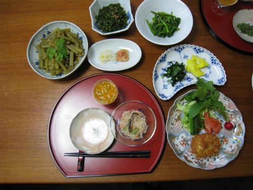「民宿松葉」の食卓