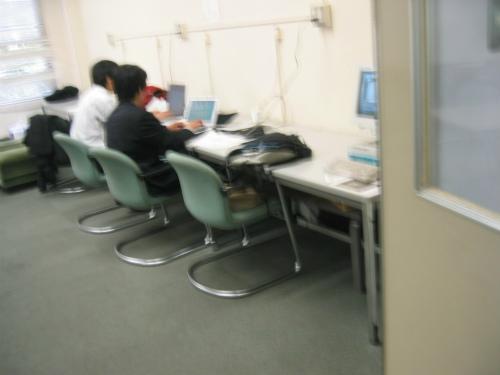 東大法学部学生実習室
